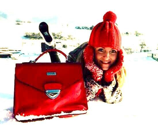 Now you can have fun in the snow and stay warm in any temperature. Our LADYBAG will melt your heart! www.ladybag.cz