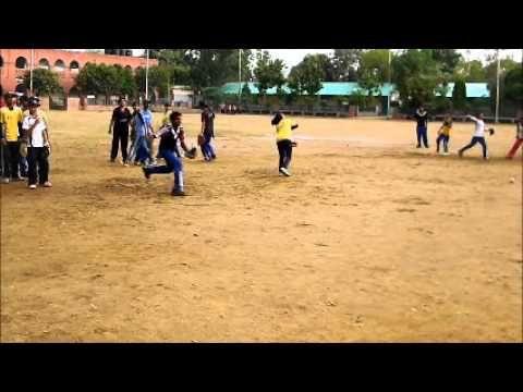 Primer video del entrenamiento de softbol de los chicos de Delhi