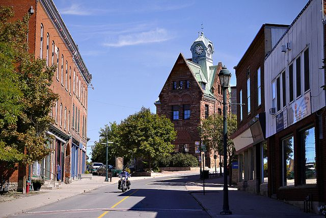 Streets of Almonte, Ontario with post office in background.