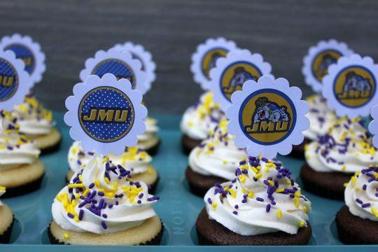 JMU Cupcakes with FREE cupcake topper printables! #JMU #Dukes