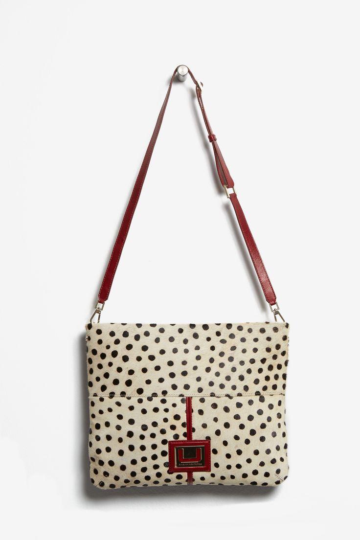 Bandolera guepardo con logo | Adolfo Dominguez shop online
