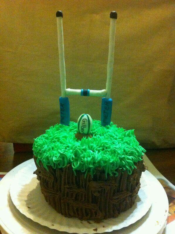 Rugby mini cake