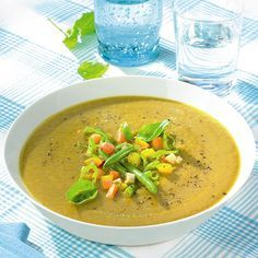 Een heerlijke groentesoep met een ProPoints waarde van 0! En hij staat ook nog eens zo op tafel. #WeightWatchers #WWrecept