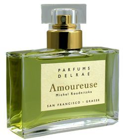 Amoureuse by Parfums DelRae is a woody, honeyed, white Floral fragrance. Top notes are tangerine and cardamom; middle notes are tuberose, jasmine and lily; base notes are oakmoss, honey and sandalwood. - Fragrantica