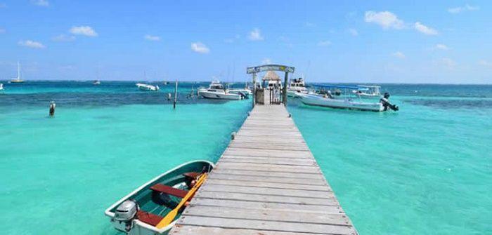 Sebuah desa Karibia yang tenang, diperindah dengan kecantikan alaminya yang belum terjamah. Puerto Morelos punya sebuah sistem terumbu karang yang luas.