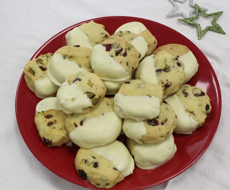 Red and green Christmas shortbread by Thermomix in Australia on www.recipecommunity.com.au