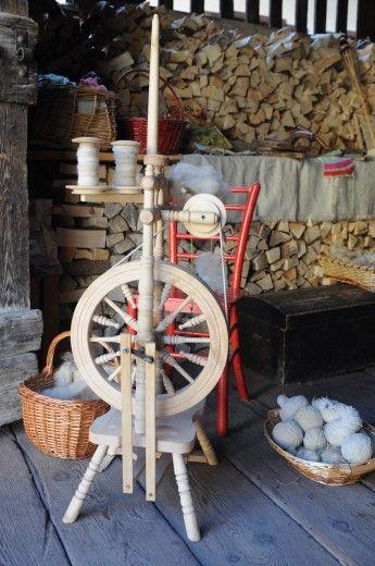 L'antico mestiere della filatura della lana a Cogolo di Pejo