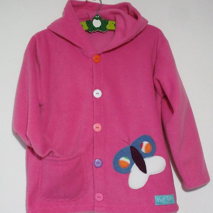 Girls cozy jacket 'garden' the bigger sizes change a little,  to adapt. They get a pocket for all those essentials from age 4-5yrs.