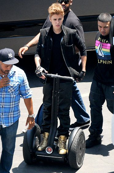 """Justin rode a Segway while shooting his """"As Long As You Love Me"""" video #JustinBieber"""
