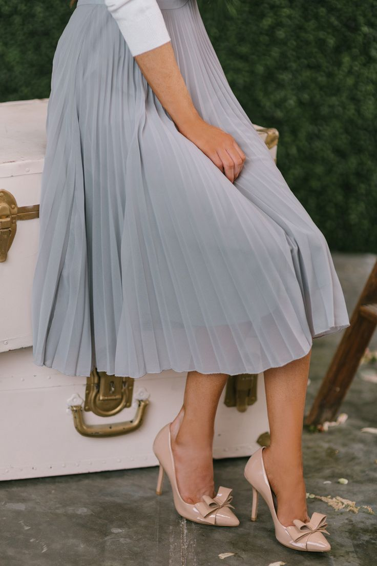 25 best ideas about pleated midi skirt on