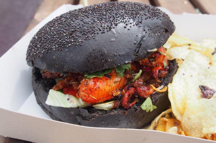 Lobster Black burger  Burger encre de seiche et homard