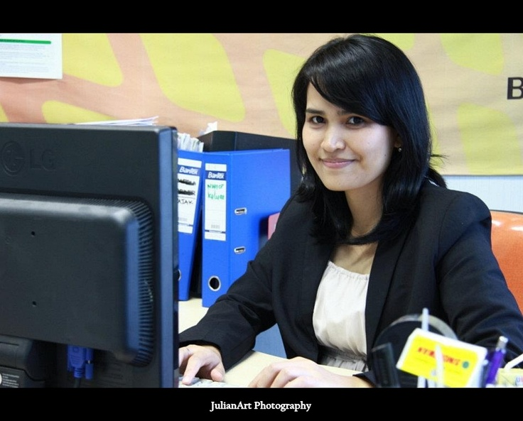Suci Lestari - Finance Executive. Calculator :D