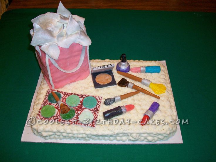 Birthday Cake Ideas For 13 Yr Old Girl : Coolest Make-Up Cake for 13 Year Old Girl Birthday cakes ...