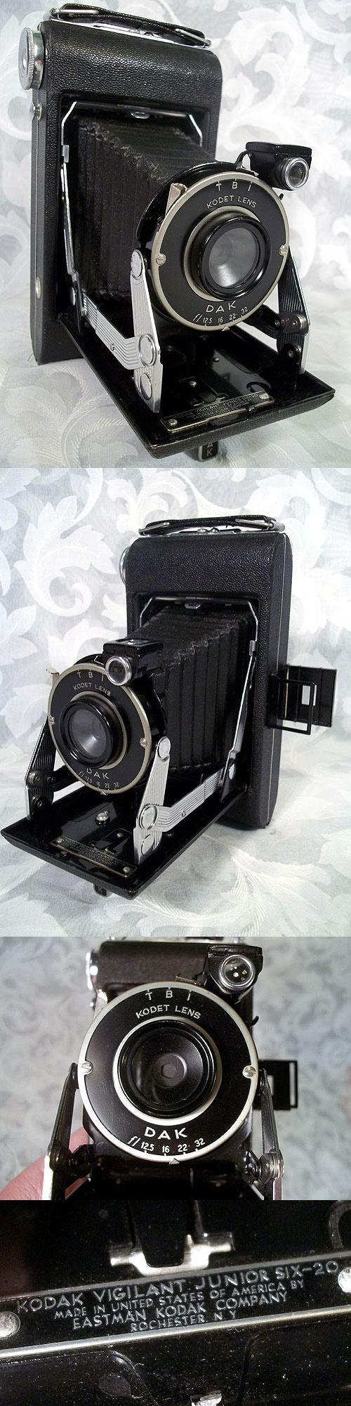 $120.00 or best offer Vintage 1940's KODAK DAK VIGILANT JUNIOR SIX-20 Folding Camera Made in USA