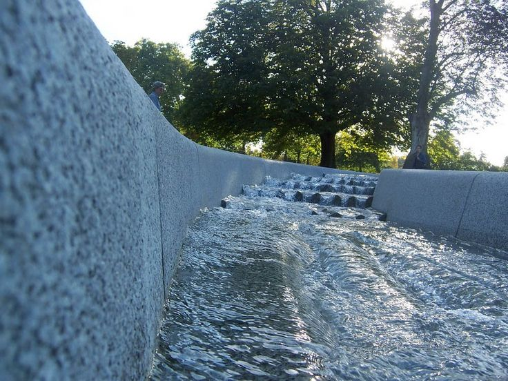 Diana princess of wales memorial fountain london 2004 for 32 princess of wales terrace