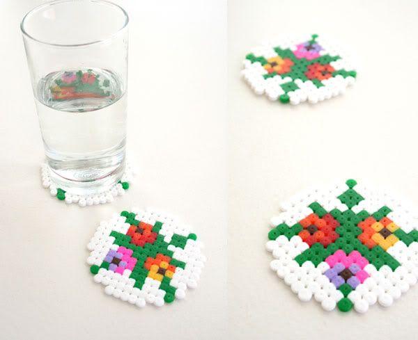 How To: Pixel hama beads coasters http://mistertrufa.net/librecreacion/culturarte/?p=12
