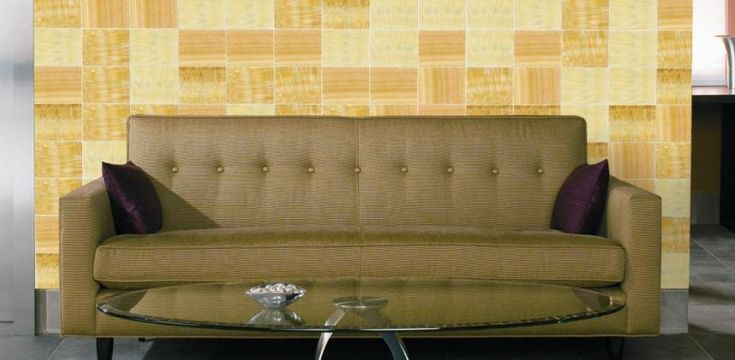 For a one-of-a-kind look, create a feature wall with our Onyx series tile in Gold Royal. Colour and shading differ from one tile to another, as created by nature. Extremely variegated Honey Gold and Butterscotch colours with rays of Off-White and occasional Red veins. | Series: Onyx | Colour: Gold Royal | Finish: Polished