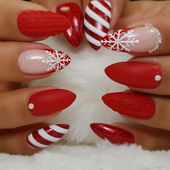 cute red nail art. pretty winter nail design. Christmas festive holidays  nails - Cute Red Nail Art. Pretty Winter Nail Design. Christmas Festive