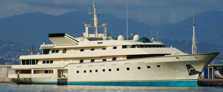 Superyacht Kingdom 5 KR  owned by Prince Al Waleed bin Talal