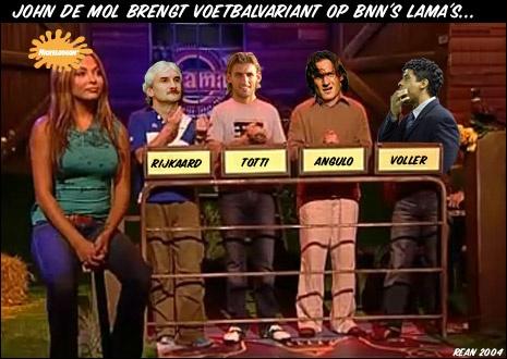 Een oude fotosoep uit 2004 voor de online fotosoepcompetitie van www.vi.nl. 4 voetballers, 4 fluimen, 4 lama's. Dit was in de tijd dat de Lama's  nog leuk waren.