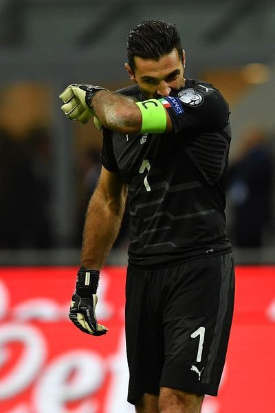 Gianluigi Buffon of Italy cries after loosing at the end of the FIFA 2018 World Cup Qualifier Play-Off: Second Leg between Italy and Sweden at San Siro Stadium on November 13, 2017 in Milan, Sweden. #futbolsoccer