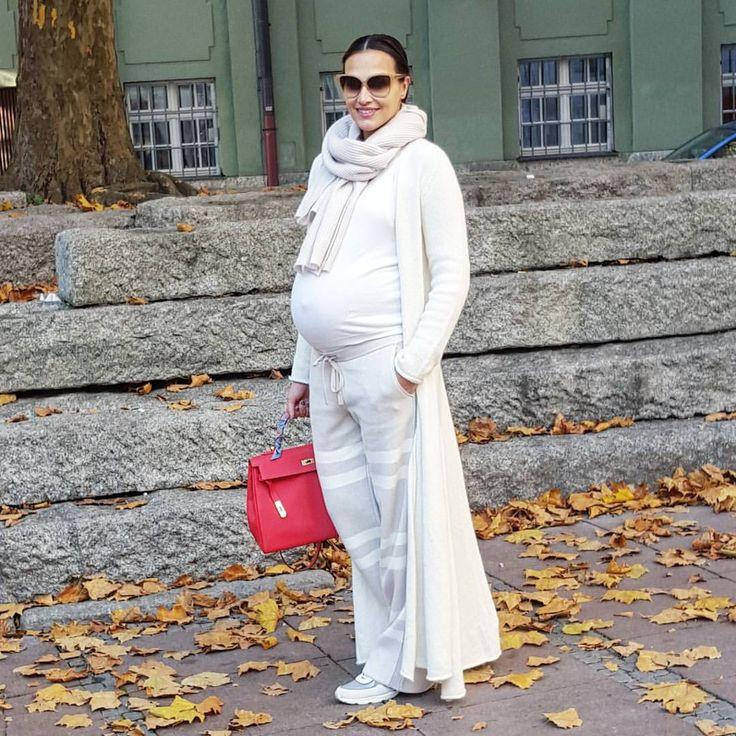 "Boka Bo Lazarevic 👨👩👦👶 (@lutak) ""🍁🌞Sunny Sunday 🌞🍂 #ootd #babybump #stefanel"""