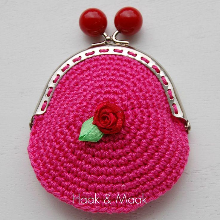 Haak & Maak: portemonnee haken - gratis patroon - free pattern in Dutch
