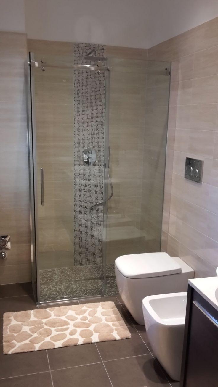 Piatto doccia in mosaico in muratura.
