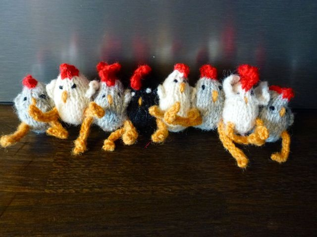 Knitted miniature hens