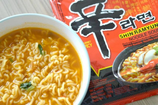 Shin Ramyun The Best Spicy Instant Noodles Raspberrykiss Uk Beauty Lifestyle Blog Spicy Recipes Spicy Ramen Instant Noodles