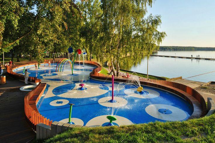 Water playground in Tychy, design: RS+ Robert Skitek, 2011, photo: Tomasz Zakrzewski, Robert Skitek, rsplus.pl
