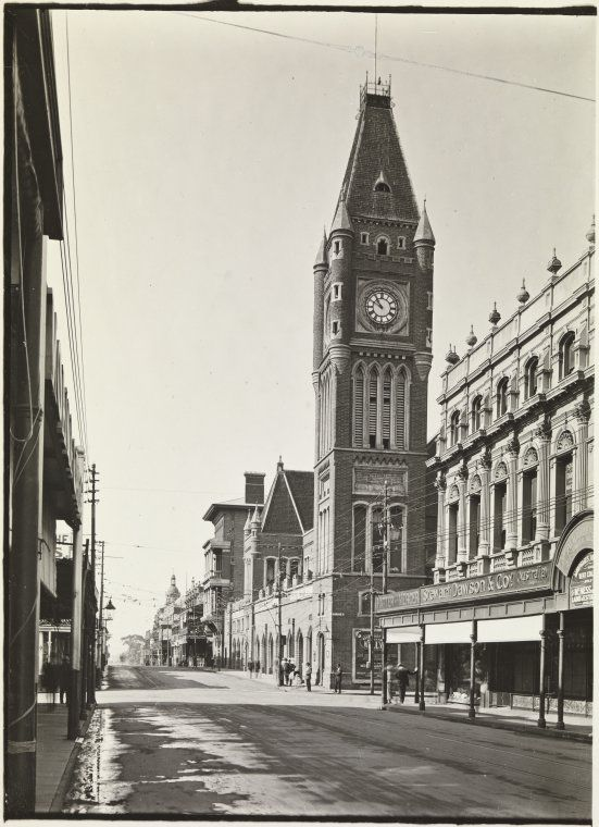 Perth Town Hall looking east down Hay Street c1920 https://encore.slwa.wa.gov.au/iii/encore/record/C__Rb3003867