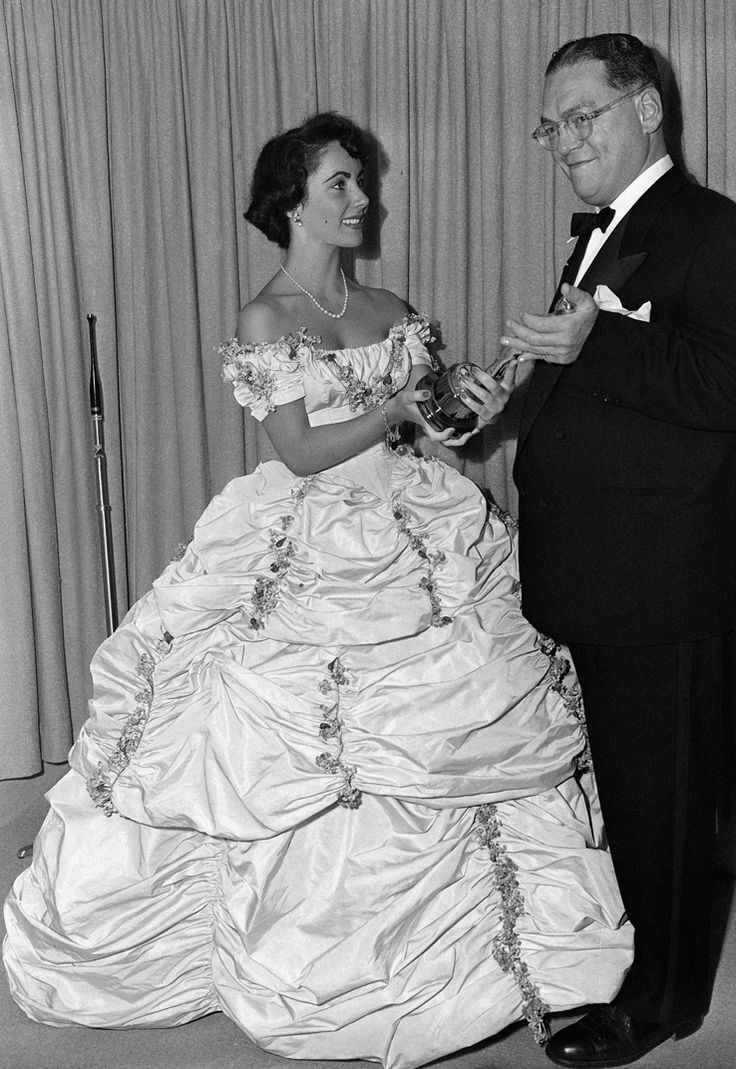 17 best images about beautiful vintage bridal gowns on for Elizabeth taylor s wedding dresses