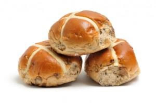 Looking for a tasty, carb-loving accompaniment to serve at your Easter dinner? Try these vegan hot cross buns.