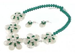 Set de bijuterii cu flori din cristale Swarovski Emerald, perle de Mallorca si sidef alb | Magazin online de bijuterii