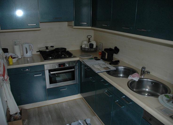 Een Keukenrenovatie, voor en na   De Keukenrestyler