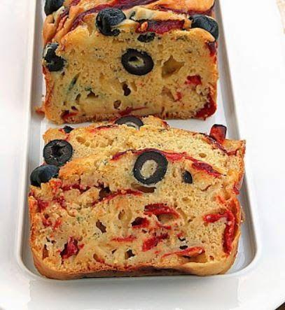 Η ΔΙΑΔΡΟΜΗ ®: Κέικ με πιπεριές, ελιές και τυρί πεκορίνο