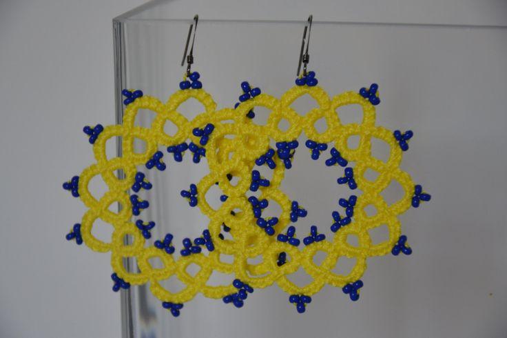 Orecchini pizzo chiacchierino giallo fluo e perline blu , tatting earrings jellow fluo beads blu di MariluCrochet su Etsy