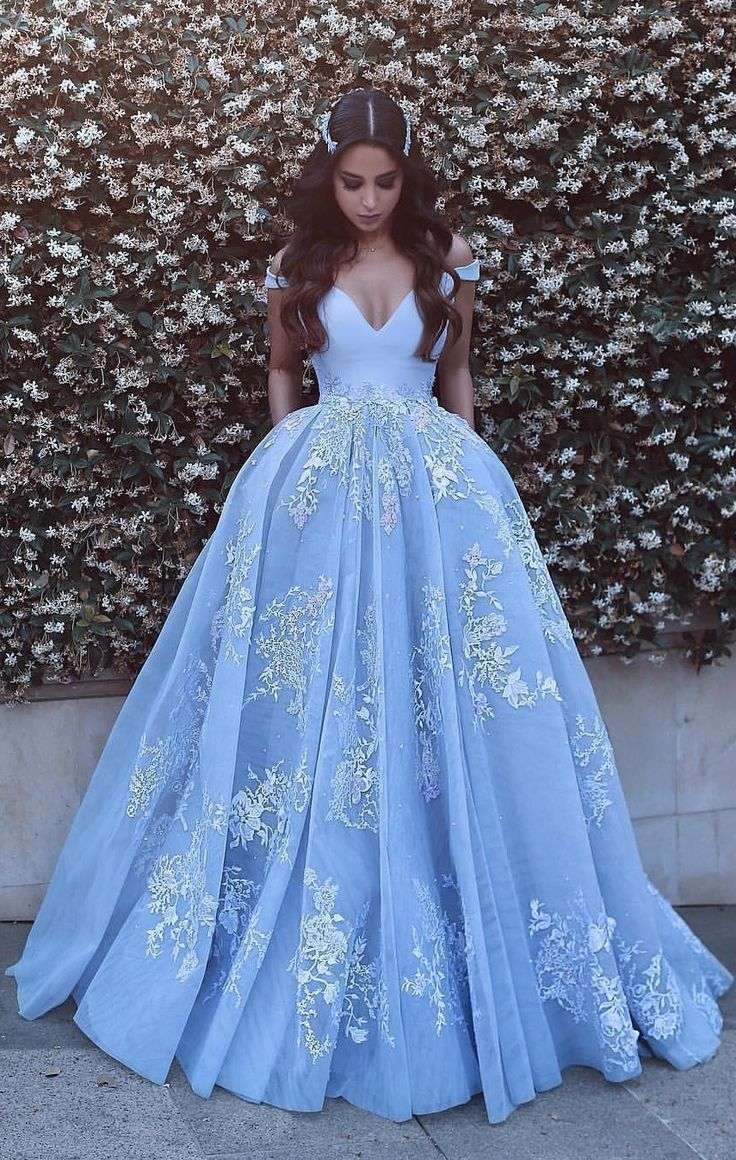 Romantic Ball Gown Prom Dresses Off-the-Shoulder Baby Blue Lace