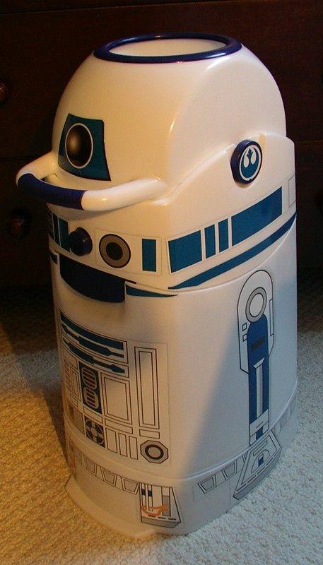 R2D2 Diaper Genie!!  -tweeted by @Bonnie Burton - Wookiee the Chew nursery for a little boy?