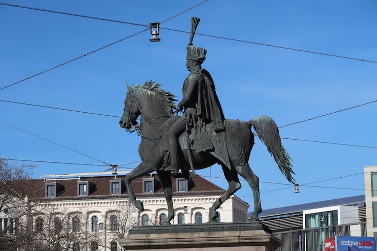 König Ernst August I. in Hannover. #hannover #hedyundolaf