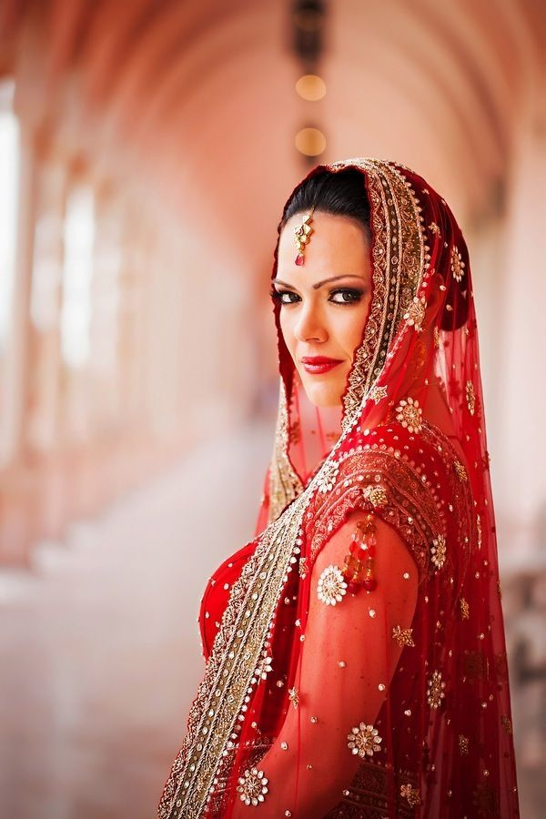 asian wedding photography east midlands%0A Elegant Indian Wedding by Limelight Photography