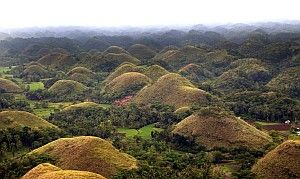 Chocolate Hills in Carmen, The House of World's Known Wonders, Chocolate Hills If you plan on visiting here in Bohol, you will want to make it a point to stop and see the famous Chocolate Hills.