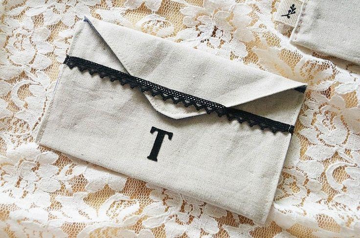 Travel Wallet, Money Envelopes, Cash Envelopes, Budget Envelope, Fabric Wallet.  Pretty Fabric Envelopes to hold gift cards tutorial.