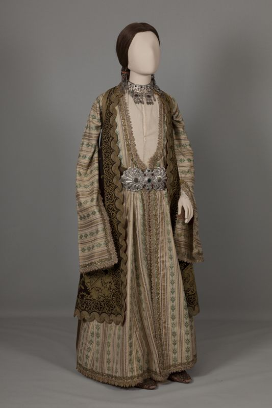 Urban costume of Ioannina, Epiros. Mid 19th century © Peloponnesian Folklore Foundation, Nafplion, Greece