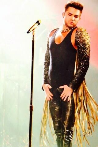 Adam on tour with Queen - Summer 2014 - SO GLAD I went to this concert in Dallas last week! <3 itt! Ahh!