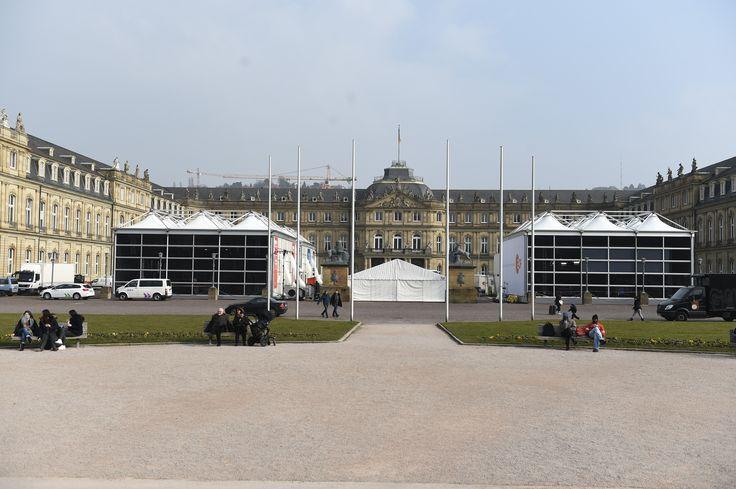 TV Studio alias eine 15x15 m große Delta Vista Zelthalle: Insgesamt standen in Stuttgart drei TV Studios dreier verschiedender TV Sender.