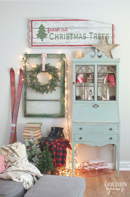 Vintage, cozy, lodge Christmas decor Vintage, rustic, cozy Christmas decor #JMholidaystyle #holidayhousewalk2015