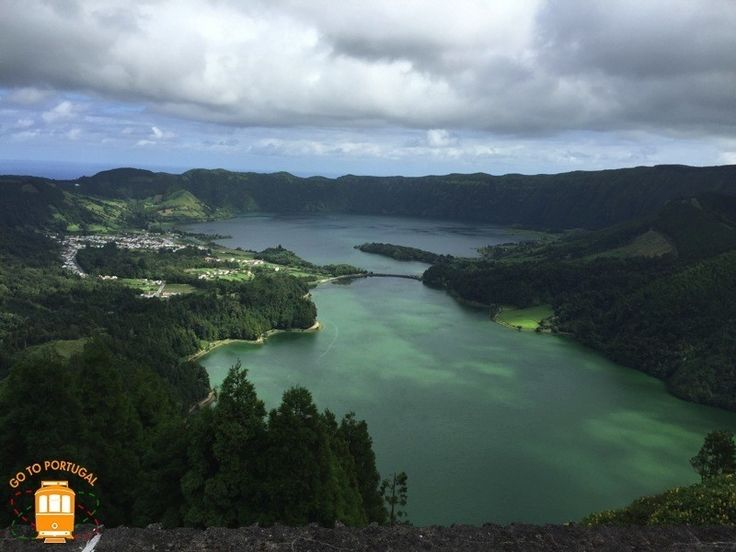 This 251 metre viewpoint is the best known in Sao Miguel Island – it will give you the opportunity to gaze at Lagoa das Sete Cidades.