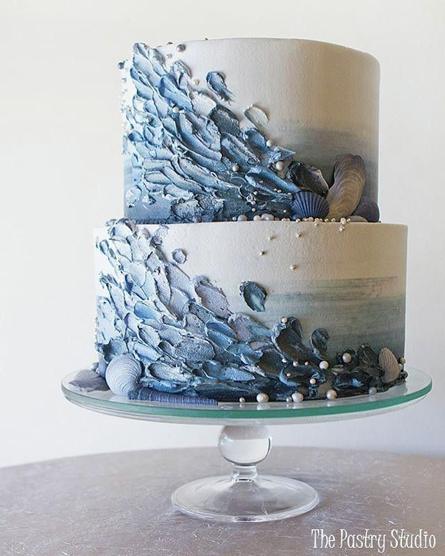 Making a splash with @thepastrystudio this moody ocean vibe cake design!! #cake
